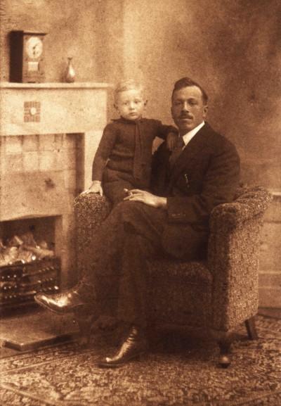 Johan Vogel met Jan ca. 1923
